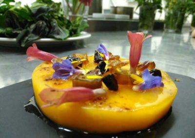 Calabaza-cruda,dátiles,-tallaetes-y-agáve.Flores-de-malva,kalanchoe-y-reichardia